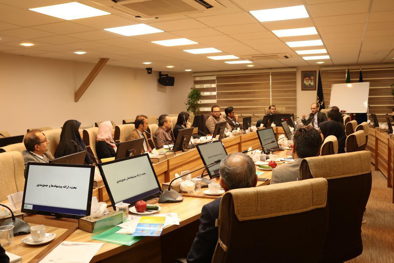 بررسی تشکیل صندوق حمایت از پژوهش و نوآوری حوزه انرژی های تجدیدپذیر با حضور فعالان و مسئولان